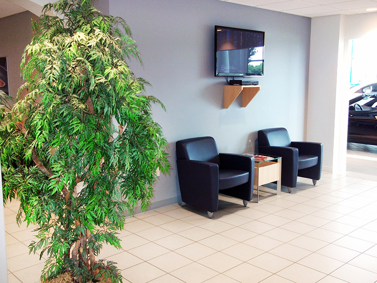 Gustman Kaukauna Customer Lounge